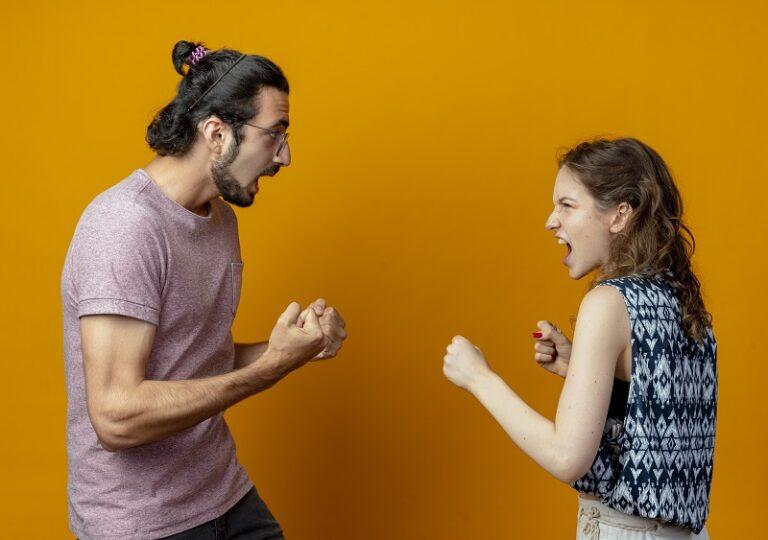 Brigas no namoro